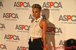 Kaley_Cuoco_ASPCA_awards_-_Oct_2014
